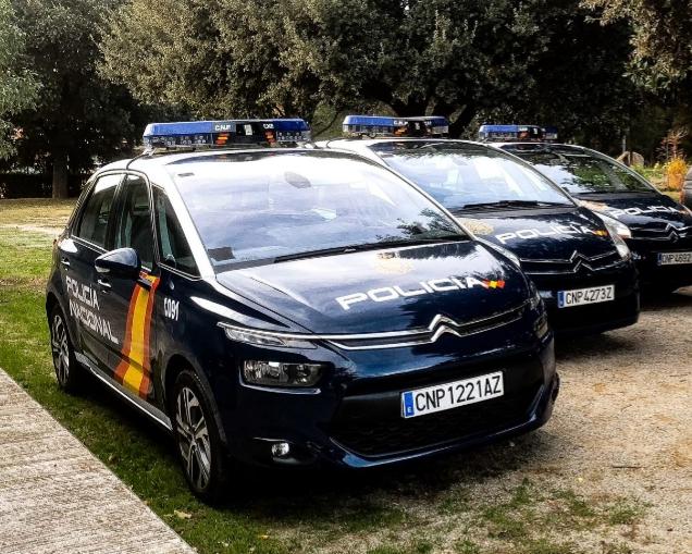 Alquiler coches de Policía Nacional, varias unidades.